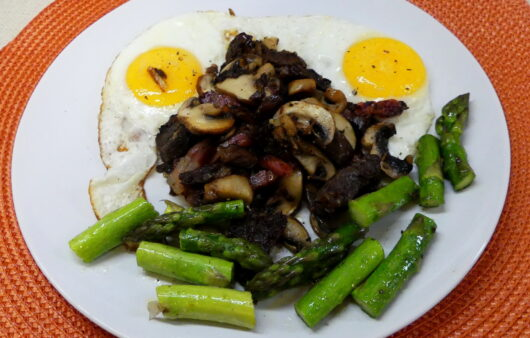 Sunny Side Up Eggs with Mushroom, Bacon, Beef and Asparagus