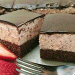 Low-carb, Gluten-free Chocolate Strawberry Cream Cake